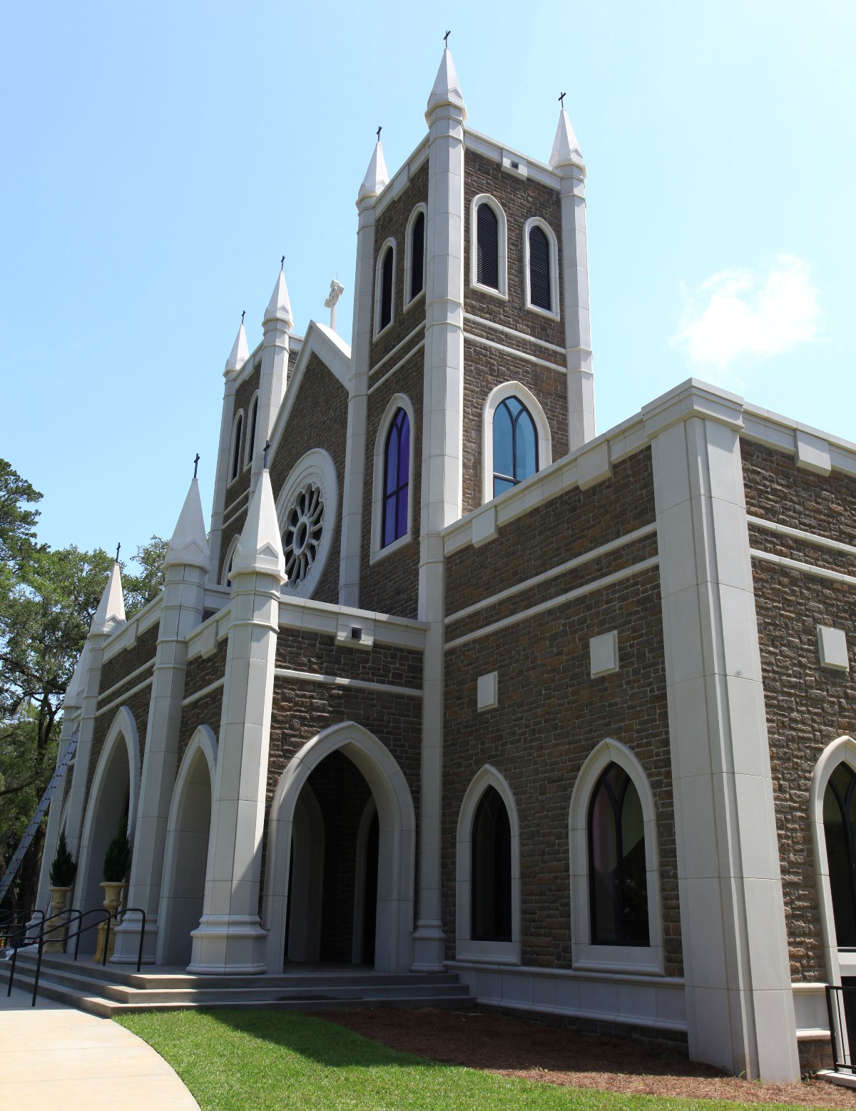 St Peters Anglican Church | Cladding using Architectural Cast Stone, Precast Concrete, Architectural GFRC with Seamless Color Matching