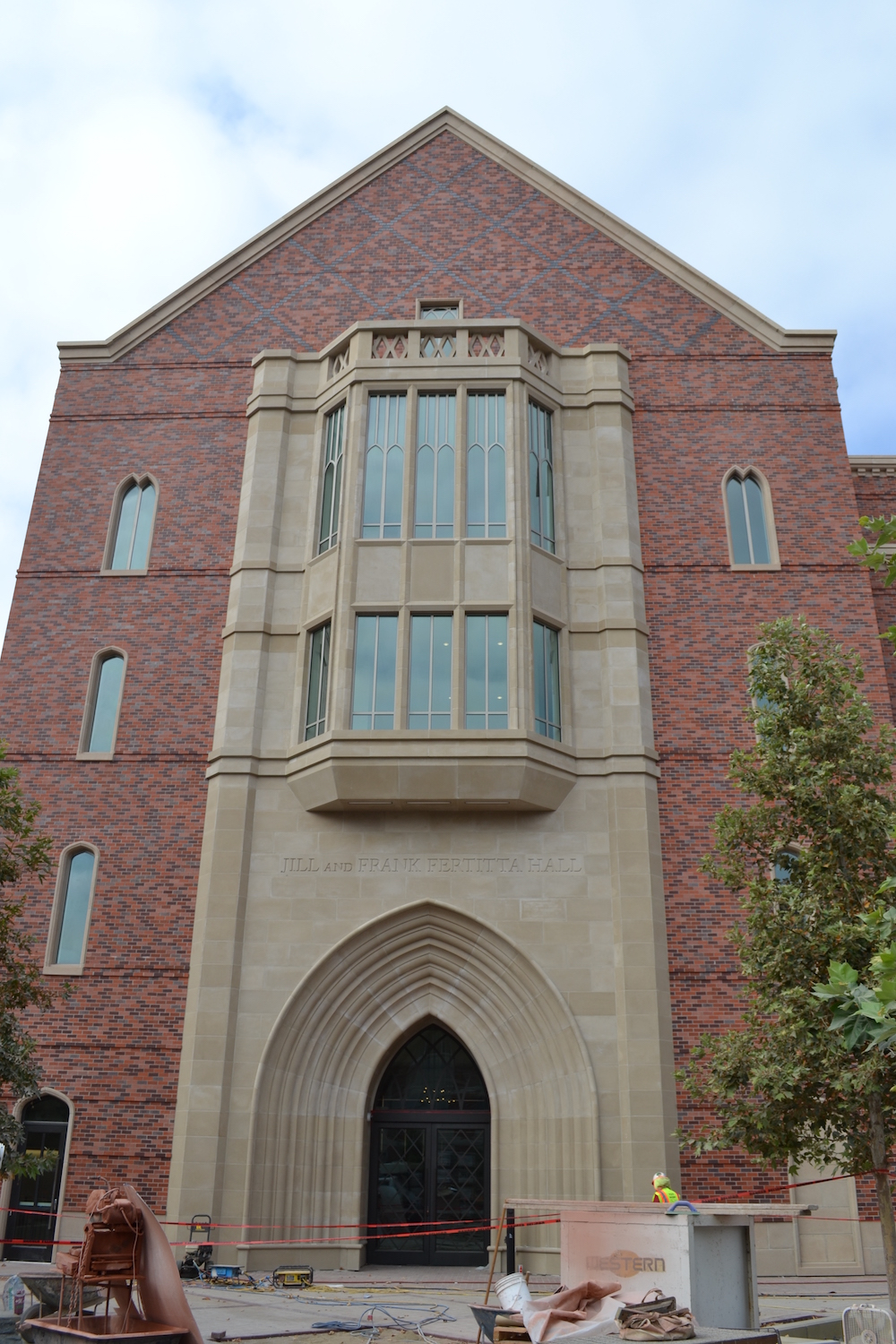 Jill and Frank Fertitta Hall, Marshall School of Business, USC | Cast Stone Grand Entry that is more than Five Stories High | Custom Engineering, Fabrication