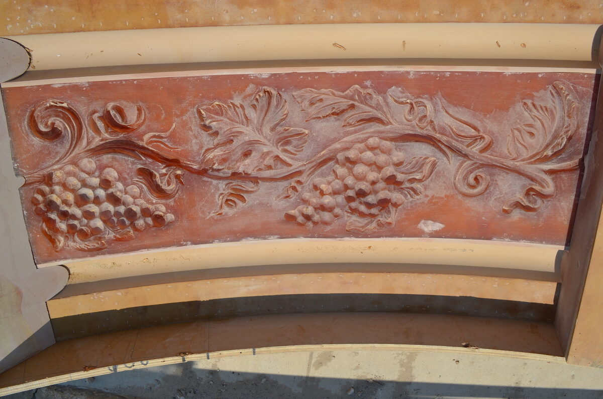 Grapevine Rubber Mold for Cast Stone Band Around the Building